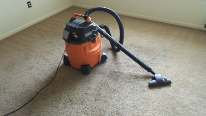 VACUUM DIRTY CARPETS Cleaning